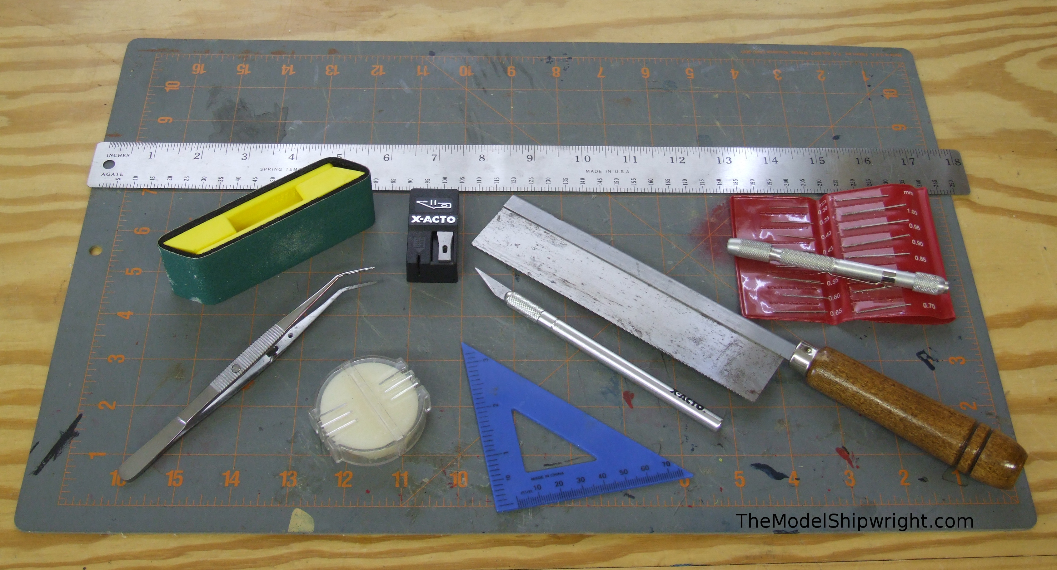 Model boats the model shipwright Tools to build a house