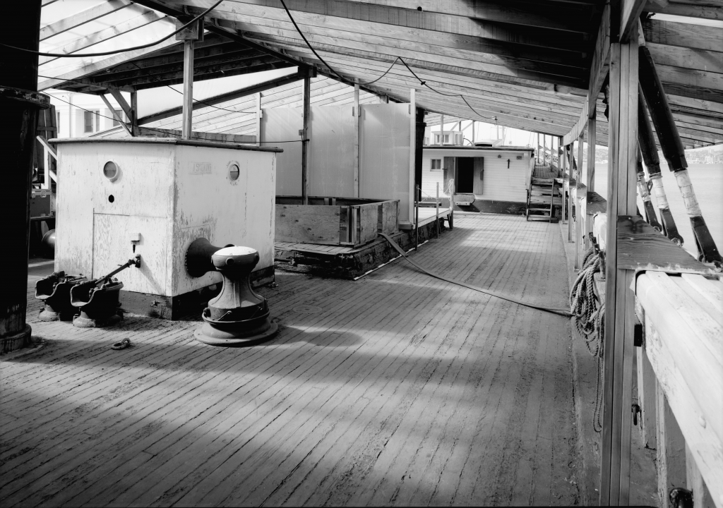 photograph main deck lumber schooner wawona