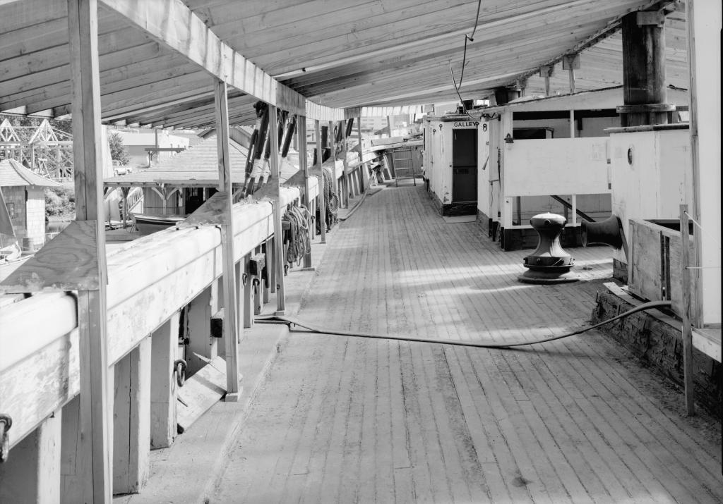 photograph main deck mizzen mast lumber schooner Wawona