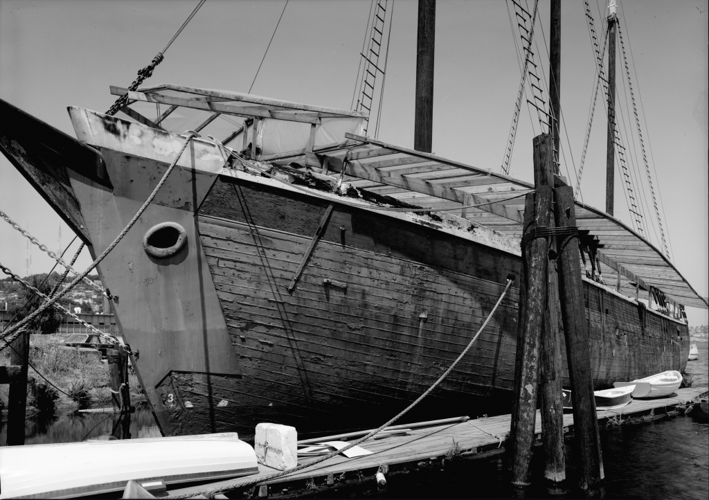 photograph port bow lumber schooner Wawona