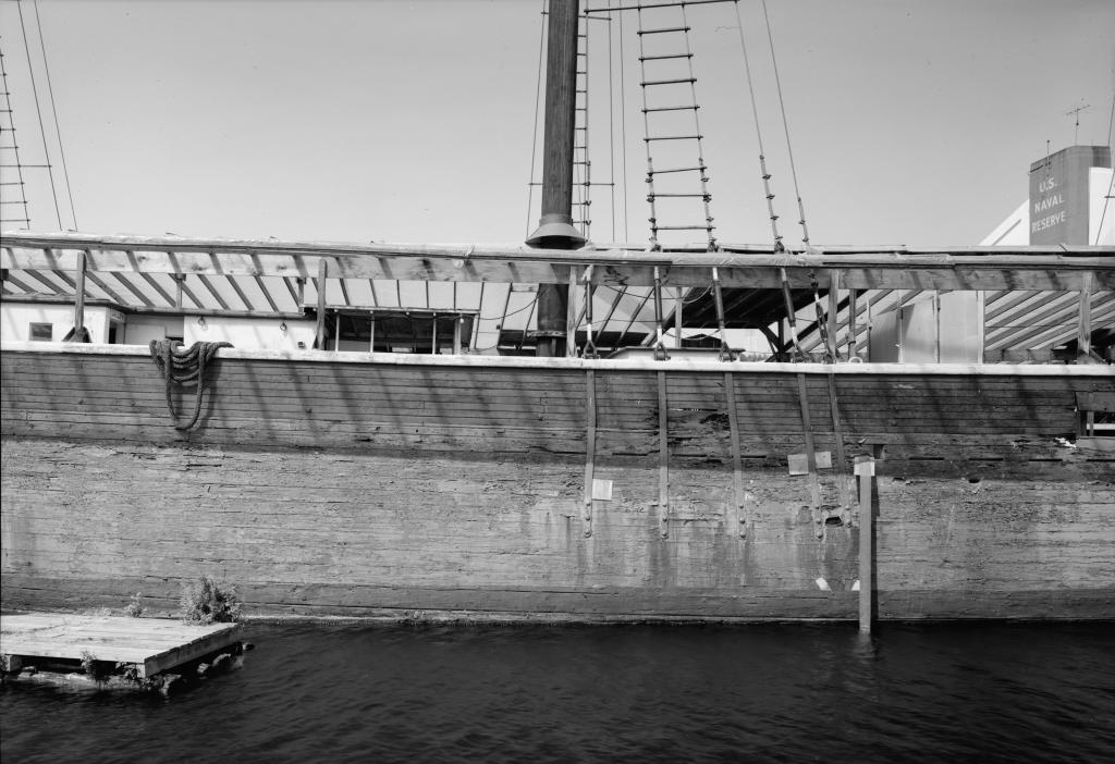 photograph port main mast chainplates lumber schooner Wawona